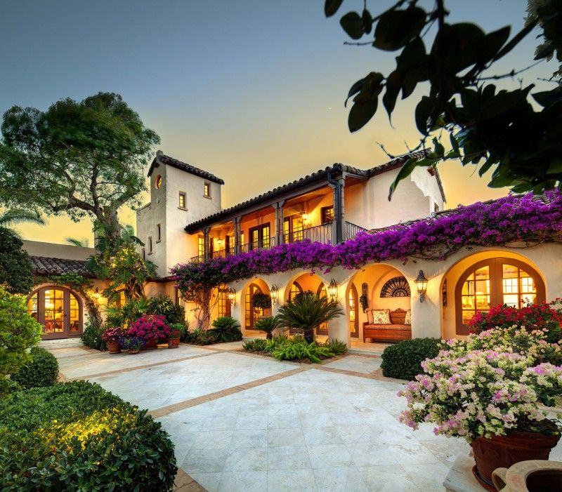 20 spanish style homes from some country to inspire you for Planimetrie hacienda messicano
