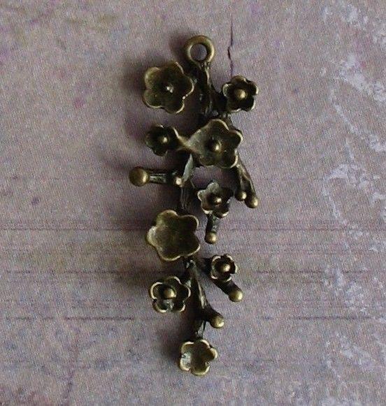 10 pcs Antique Bronze Vintage Style Flower by SandraSupplies, $3.55