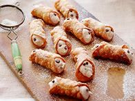 Get this all-star, easy-to-follow Homemade Cannoli recipe from Alex Guarnaschelli