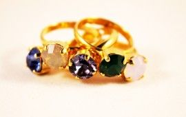 Ring with swarovski element.