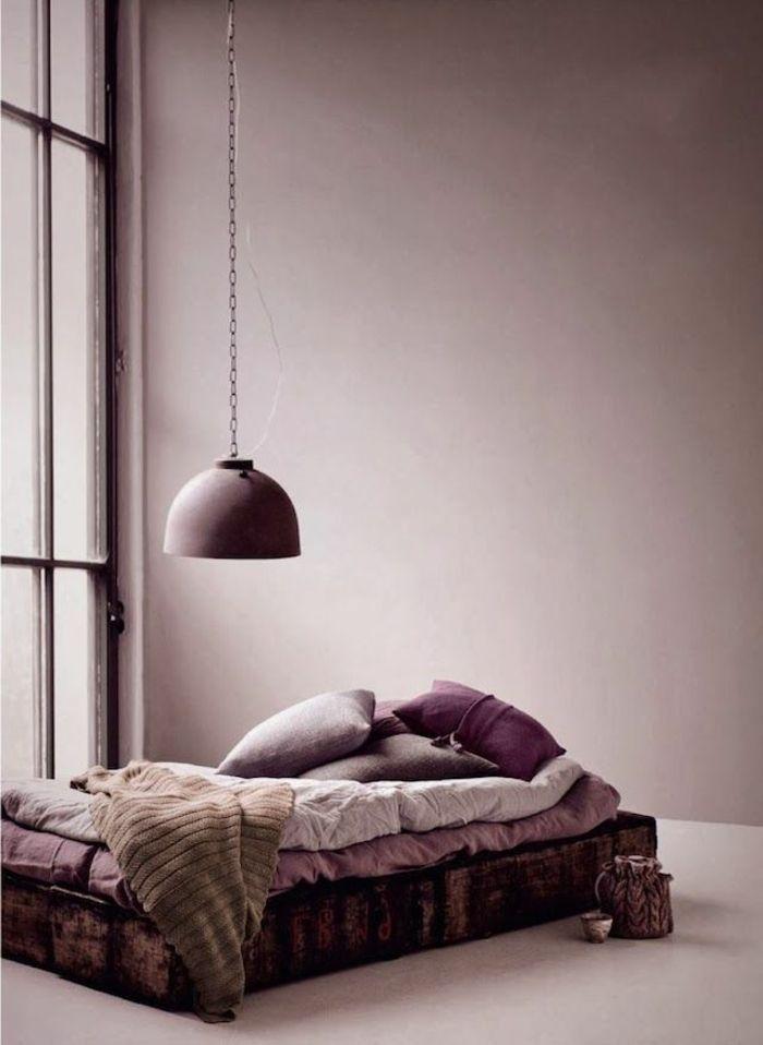 couleur parme violet couleur id es d co chambre coucher. Black Bedroom Furniture Sets. Home Design Ideas