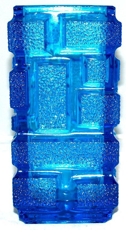 Blues : 13262 'Brickwork' Rectangular vase - blue