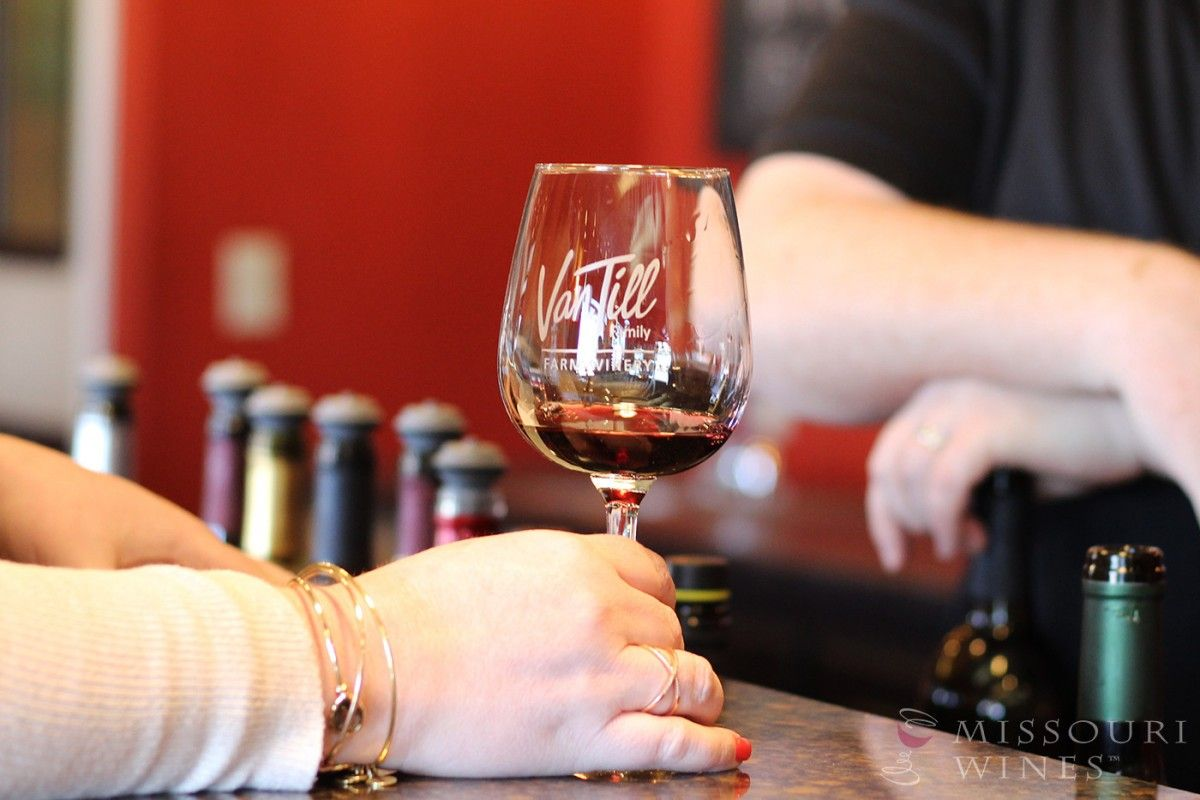 Spotlight On Missouri Wine Country Kc Area Winery Tasting Room Wine Country Wine