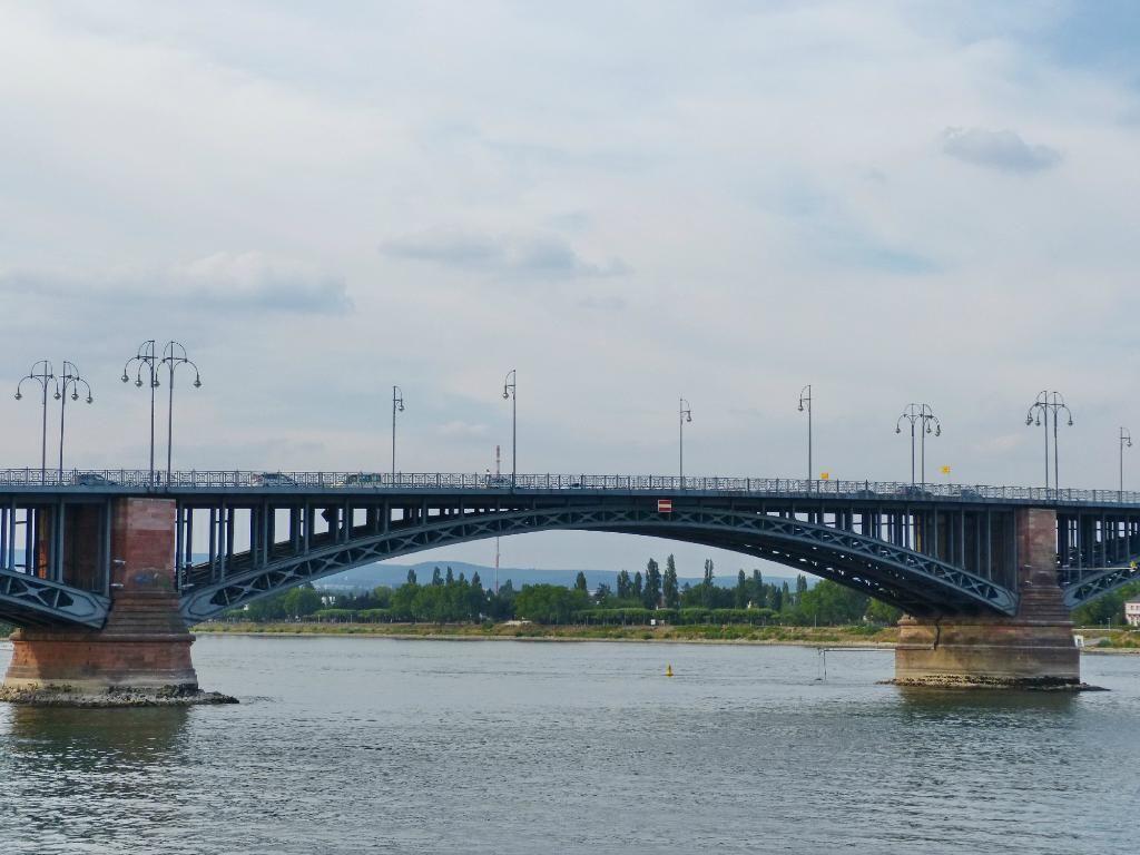 Theodor Heuss Bridge Maints Deite Kritikes Plhrofories Kai Fwtografies Sto Tripadvisor Theodor Heuss Bridge Maints Mainz Ausflug Ausflugsziele