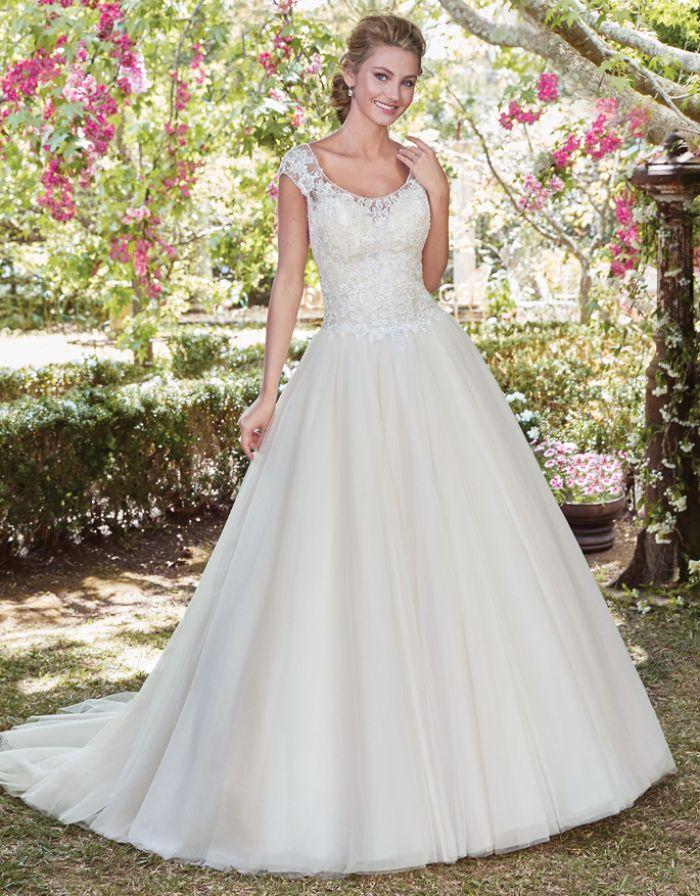 Pin von Betsy Gee auf Wedding Dresses   Pinterest