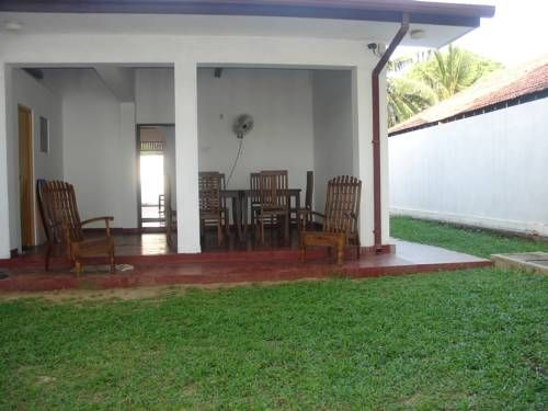 Bloom Villa Dikwella South Featuring free WiFi, Bloom Villa offers pet-friendly accommodation in Dikwella South, 48 km from Unawatuna.  Certain units include views of the garden or city. Each room has a private bathroom fitted with a bath or shower.