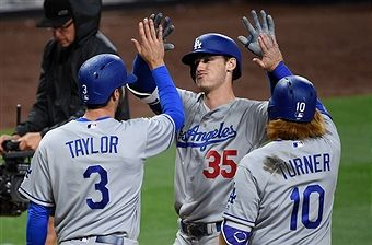 Los Angeles Dodgers V San Diego Padres Photos And Premium High Res Pictures Dodgers San Diego Padres Los Angeles Dodgers