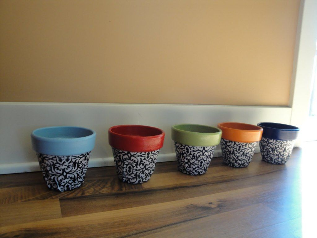 40 ideas to dress up terra cotta flower pots diy planter for Big pot painting designs
