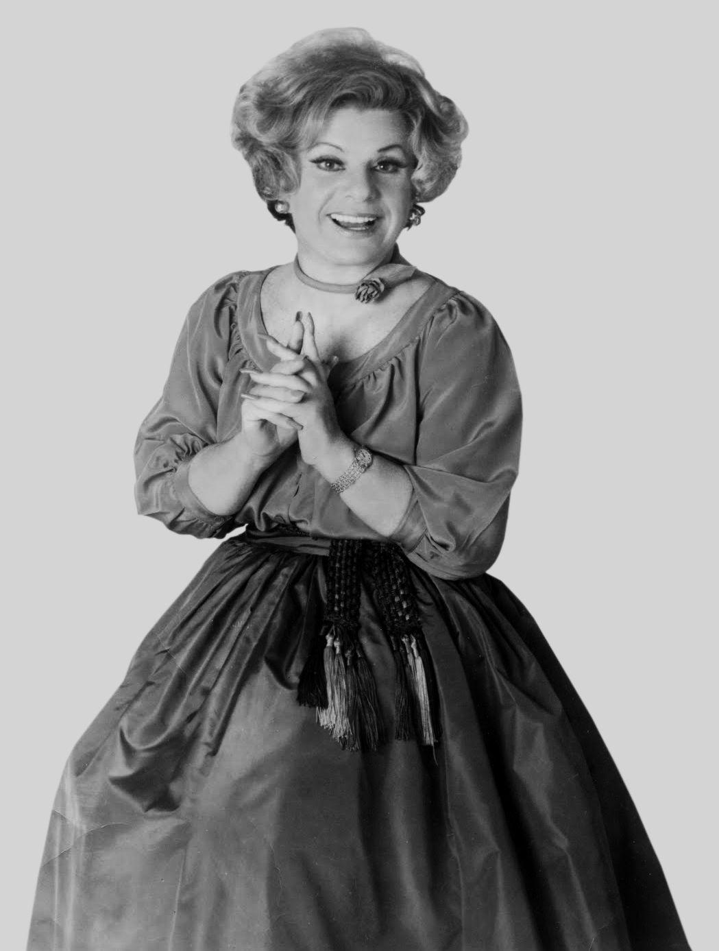 Totie Fields She Was So Funny Women Humor Female Comedians
