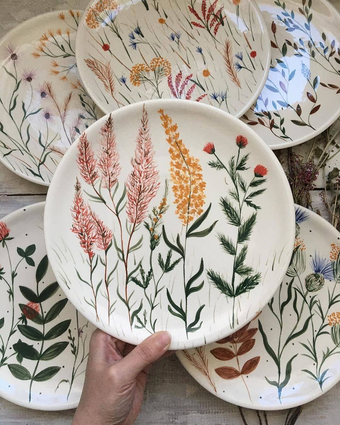 "@ceramic.is.love on Instagram: ""From @jlv_ceramics 🌿🌱👌 . . . . . #ceramic #ceramiclove #ceramicart #ceramiclife #ceramica #ceramique #ceramicdesign #design #art #artdesign…"""