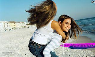 Two Girls Friends Friendship Wallpaper Cute Friendship Quotes Friendship Day Wallpaper