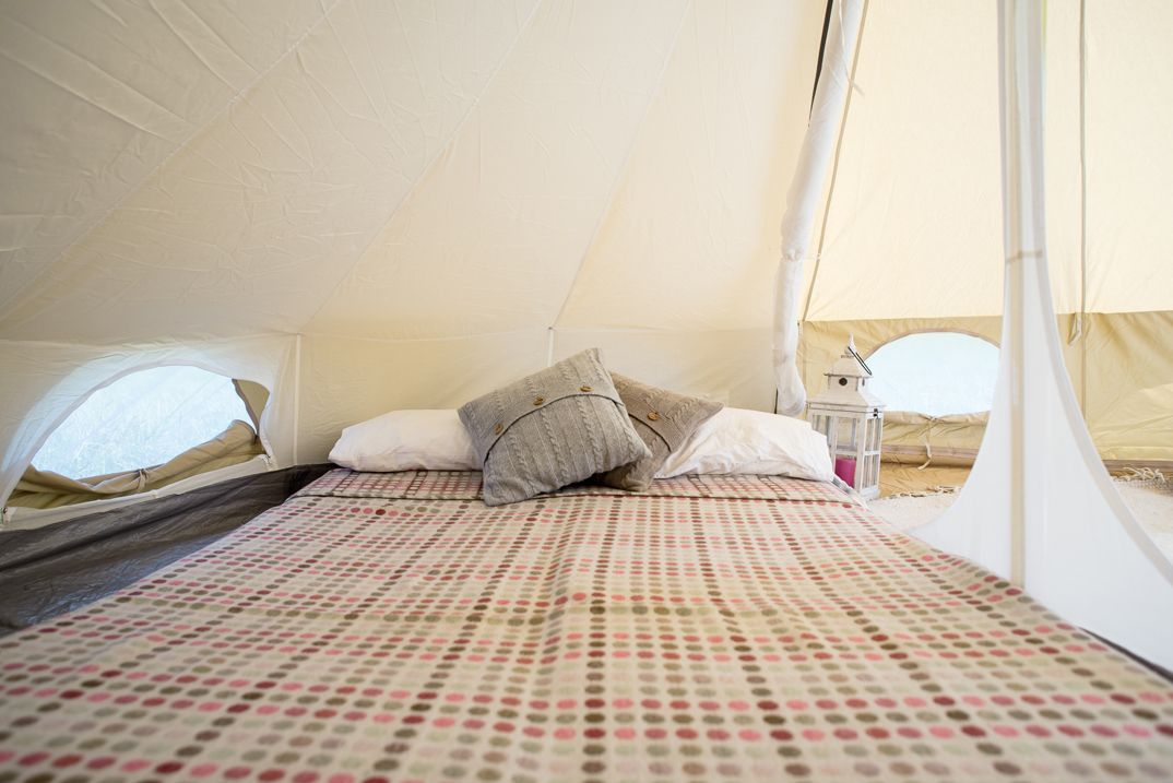 Life Under Canvas double bed inside the inner. & Life Under Canvas double bed inside the inner. | 4m Bell tents ...