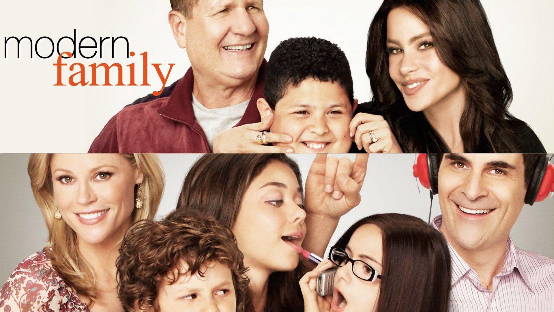 Free Desktop Modern Family Wallpaper 1920x1080 356 Kb Modern Family Comedy Tv Series Family Tv