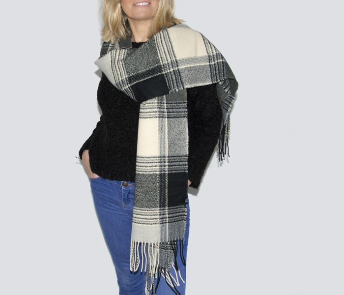 Soft Tartan Blanket with Tassels Black Grey & Cream