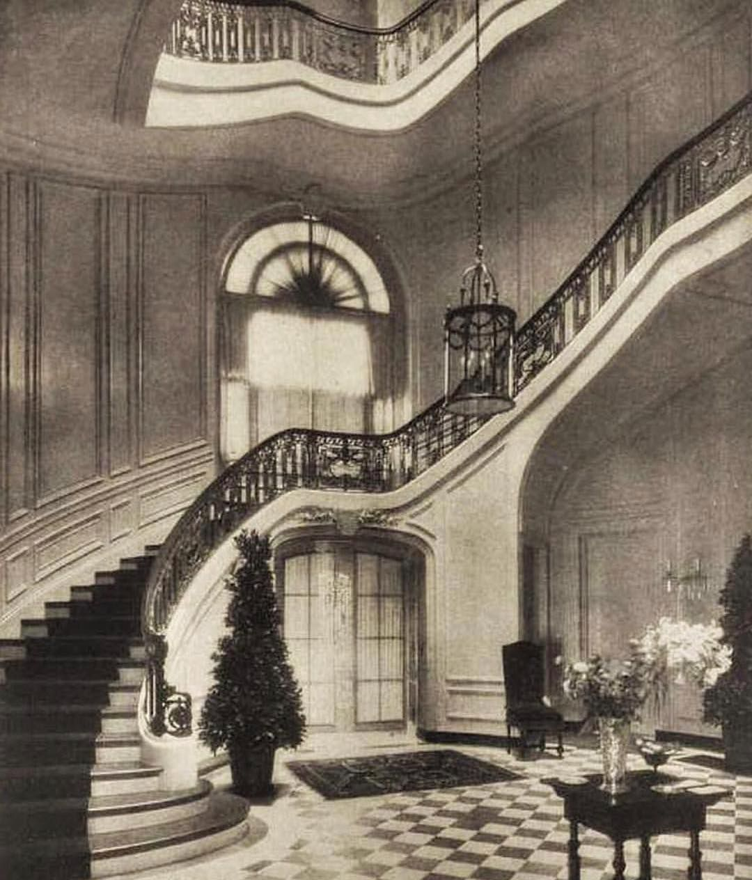 The Grand Staircase Of The Frederick Ayer Mansion At Prides Crossing Massachusetts Sadly The Mansion And Staircase Are No Longer