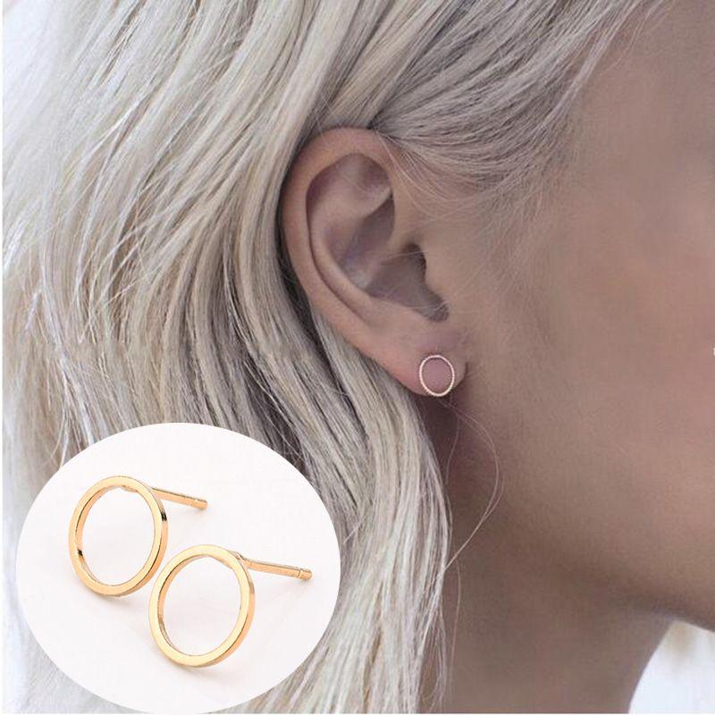 2 짝 여름 스타일 새로운 패션 유명한 골드 실버 블랙 라운드 원 귀 스터드 귀걸이 여성 보석