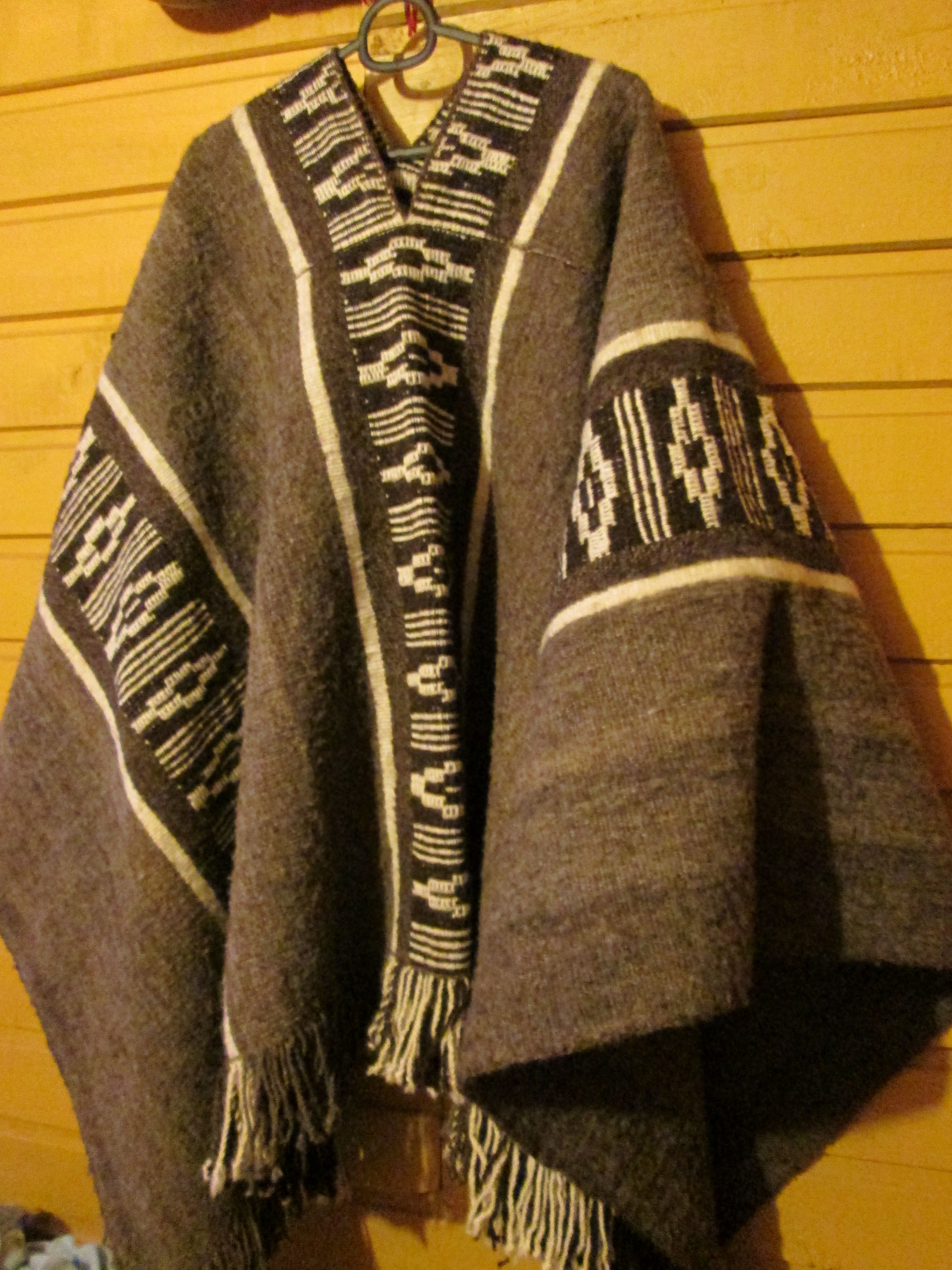 a7a8a78bab5b Pin by James Louis aka L.J. on Fashion For Men s Scarf   Shawl ...