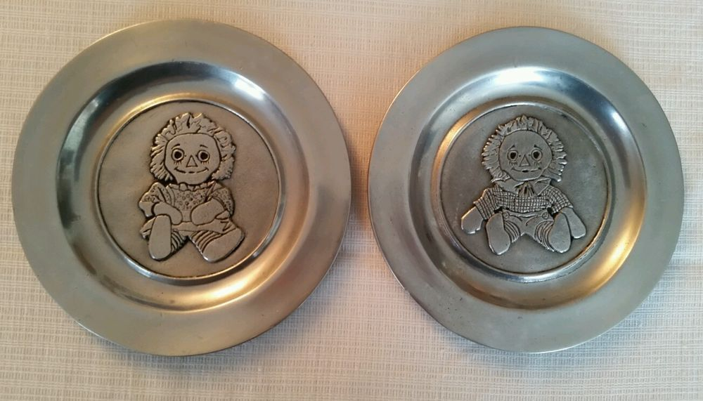 RAGGEDY ANN AND ANDY PEWTER PLATES 7""