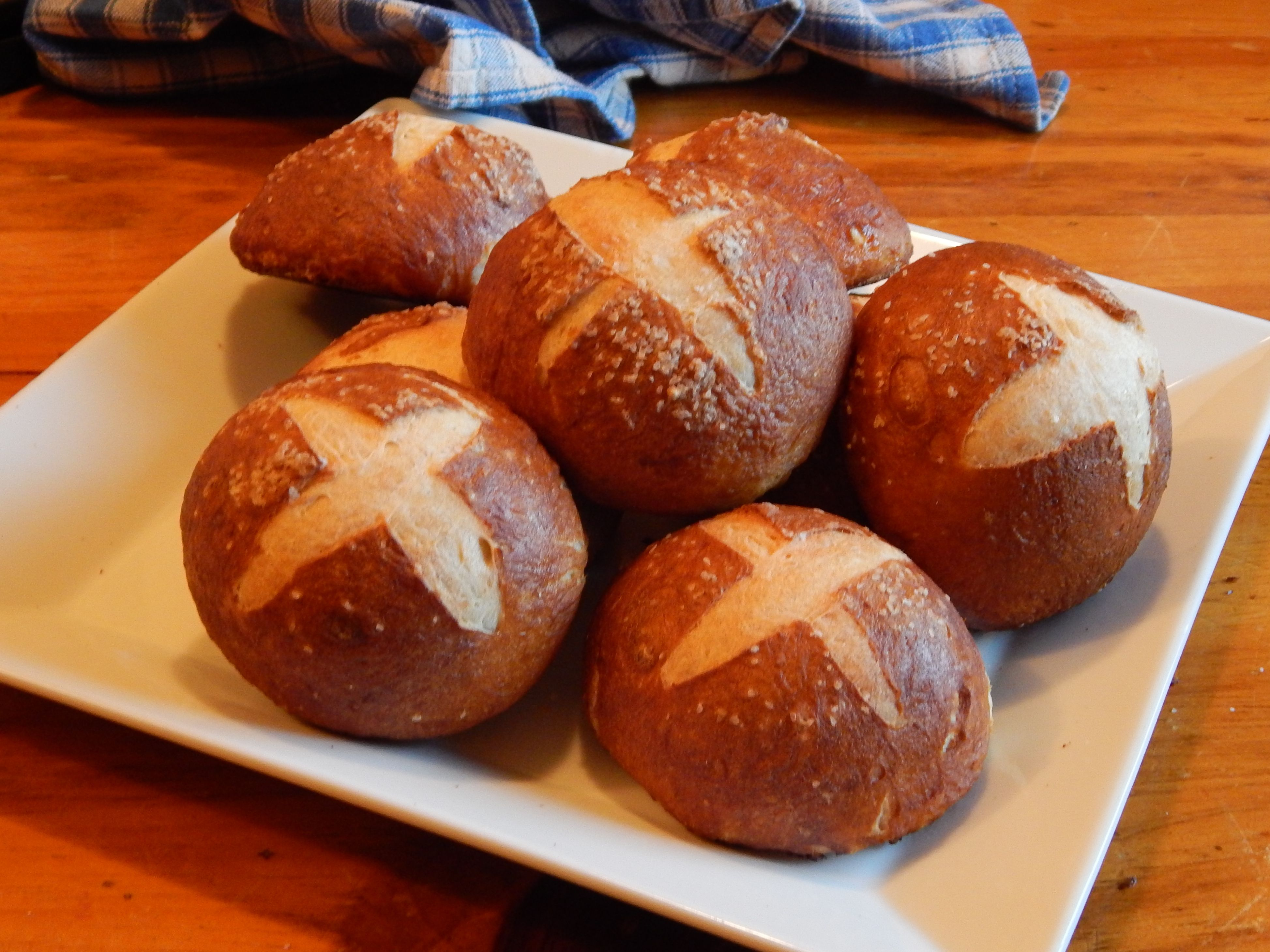 Home Made Pretzel Buns Recipe