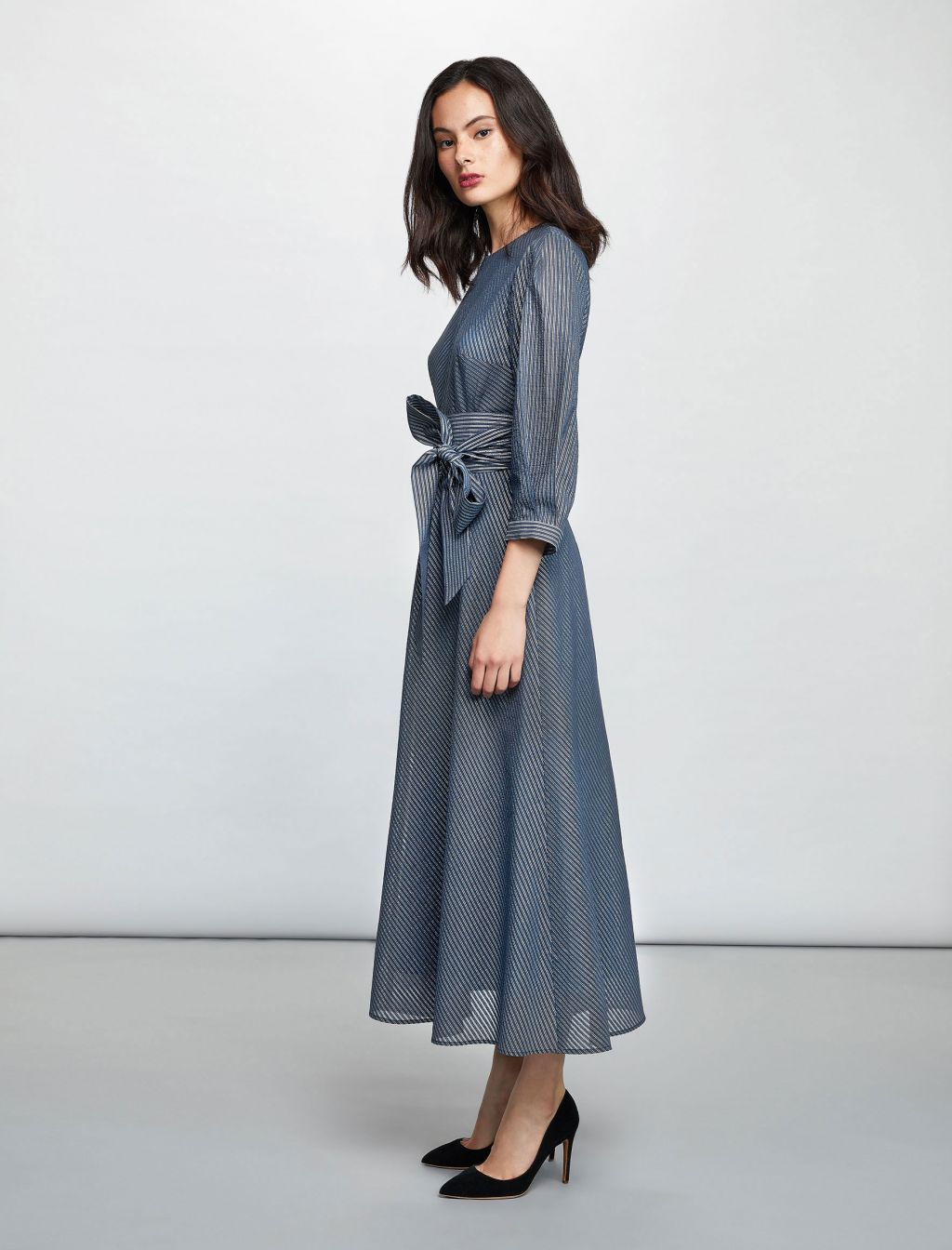 3 4 Sleeve Maxi Dress With Belt Blue Silver Dresses Maxi Dress Blue Long Sleeve Maxi Dress [ 1344 x 1024 Pixel ]