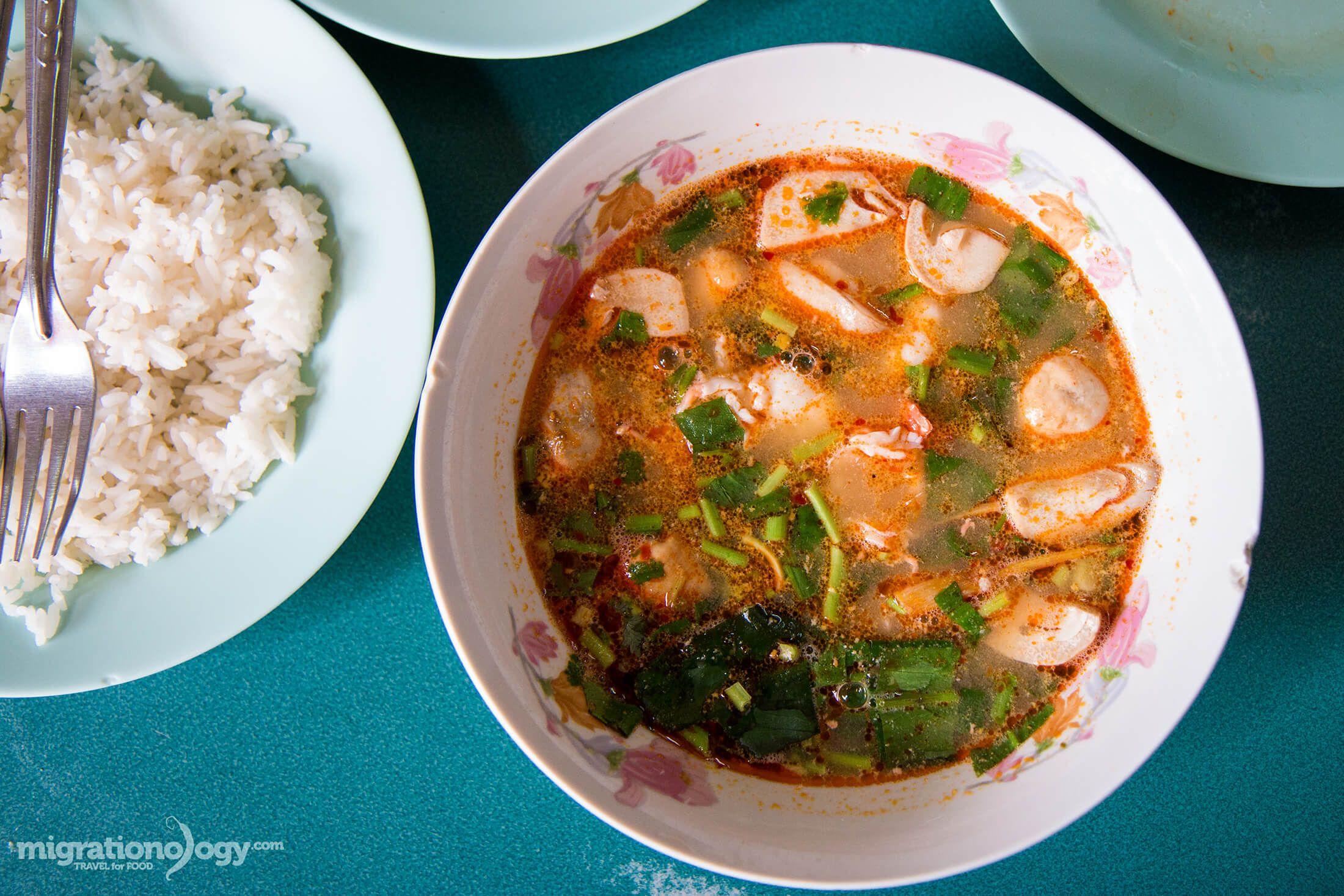 Best tom yum goong in bangkok mit ko yuan มตรโกหยวน
