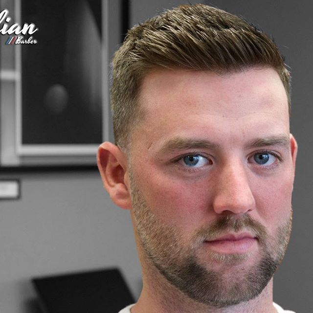 Short Textured Top With A 3 1 Gradient On The Sides Nape And Sideburns Tapered With A Gradient Added Into The Mens Haircuts Short Mens Hairstyles Hair Styles