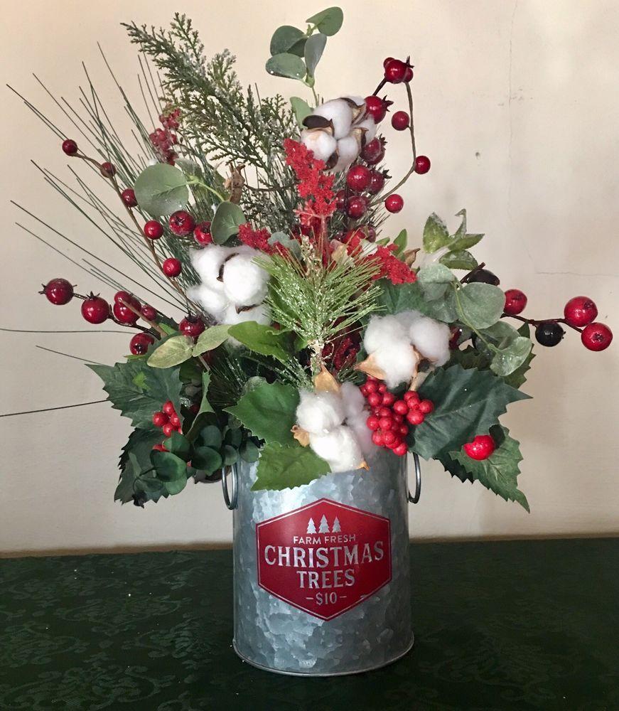 Christmas floral arrangement rustic farmhouse christmas