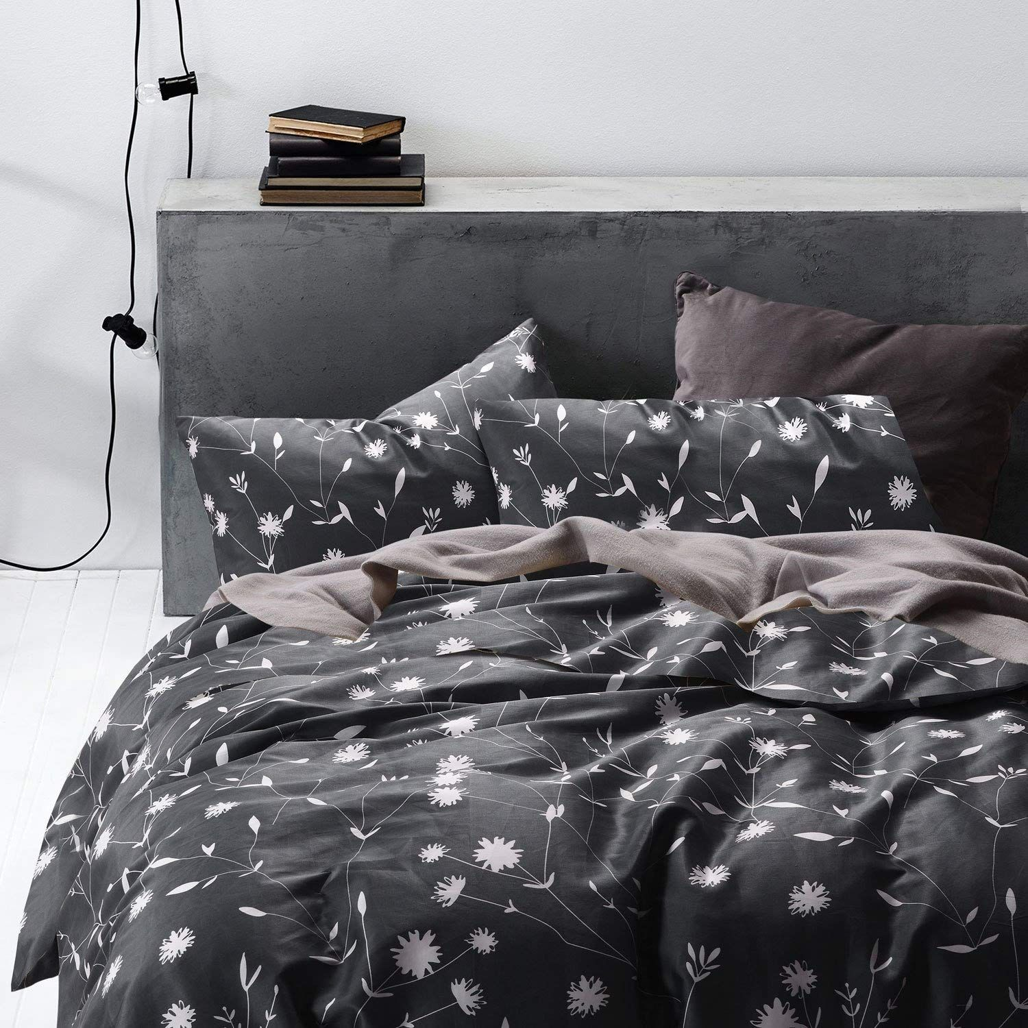 Amazonsmile Wake In Cloud Dark Gray Duvet Cover Set 100 Cotton Bedding White Floral F Bedding Sets Master Bedroom Duvet Cover Sets Dark Grey Duvet Covers