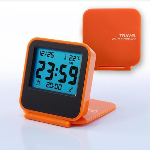 2017 new modern snooze alarm clock LED digital desktop clock battery