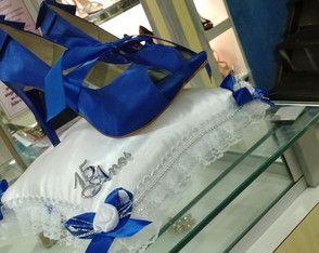 3523782c5 Almofada de 15 anos, para conduzir o par de sapatos na cerimônia ...