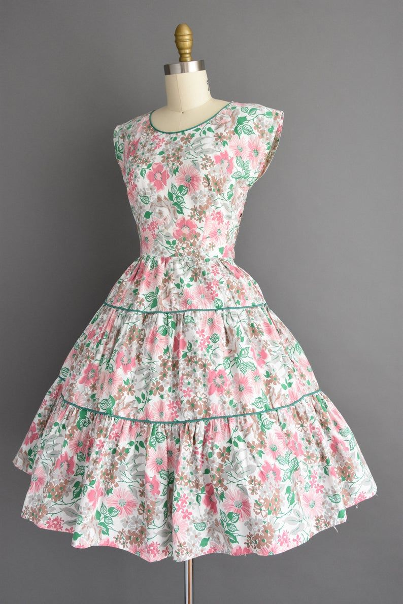 Vintage 1950s Dress Size Small Beautiful Colorful Floral Print White Cotton Full Skirt Day Dress 50s Dress Vintage 1950s Dresses Dresses Rose Dress Outfit [ 1191 x 794 Pixel ]