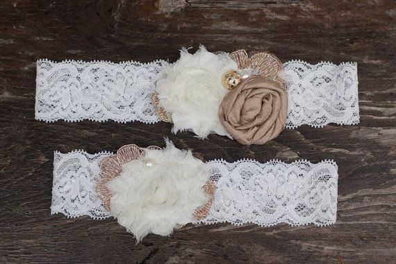 Wedding garter set in ivory and champagne, pretty!