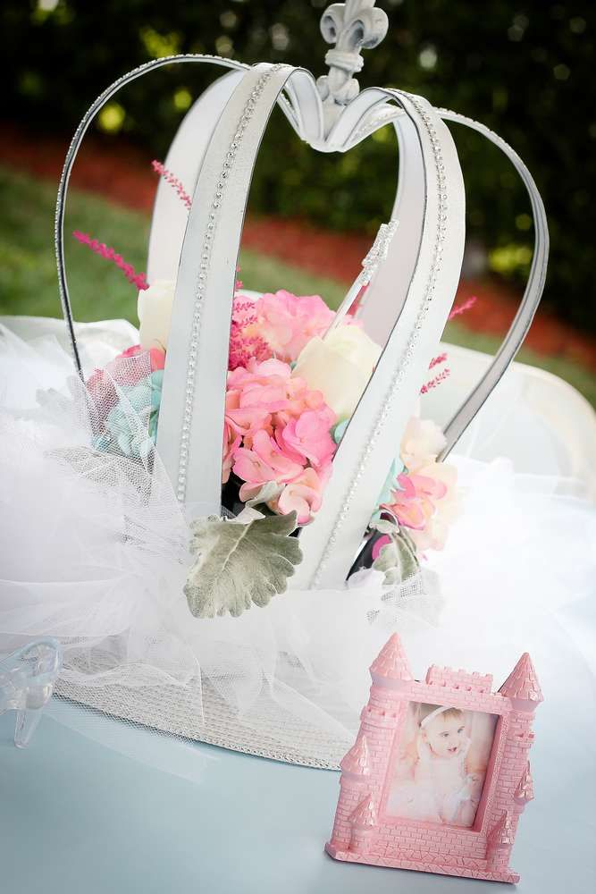 Cinderella Birthday Party Ideas | Photo 2 of 76 | Catch My Party