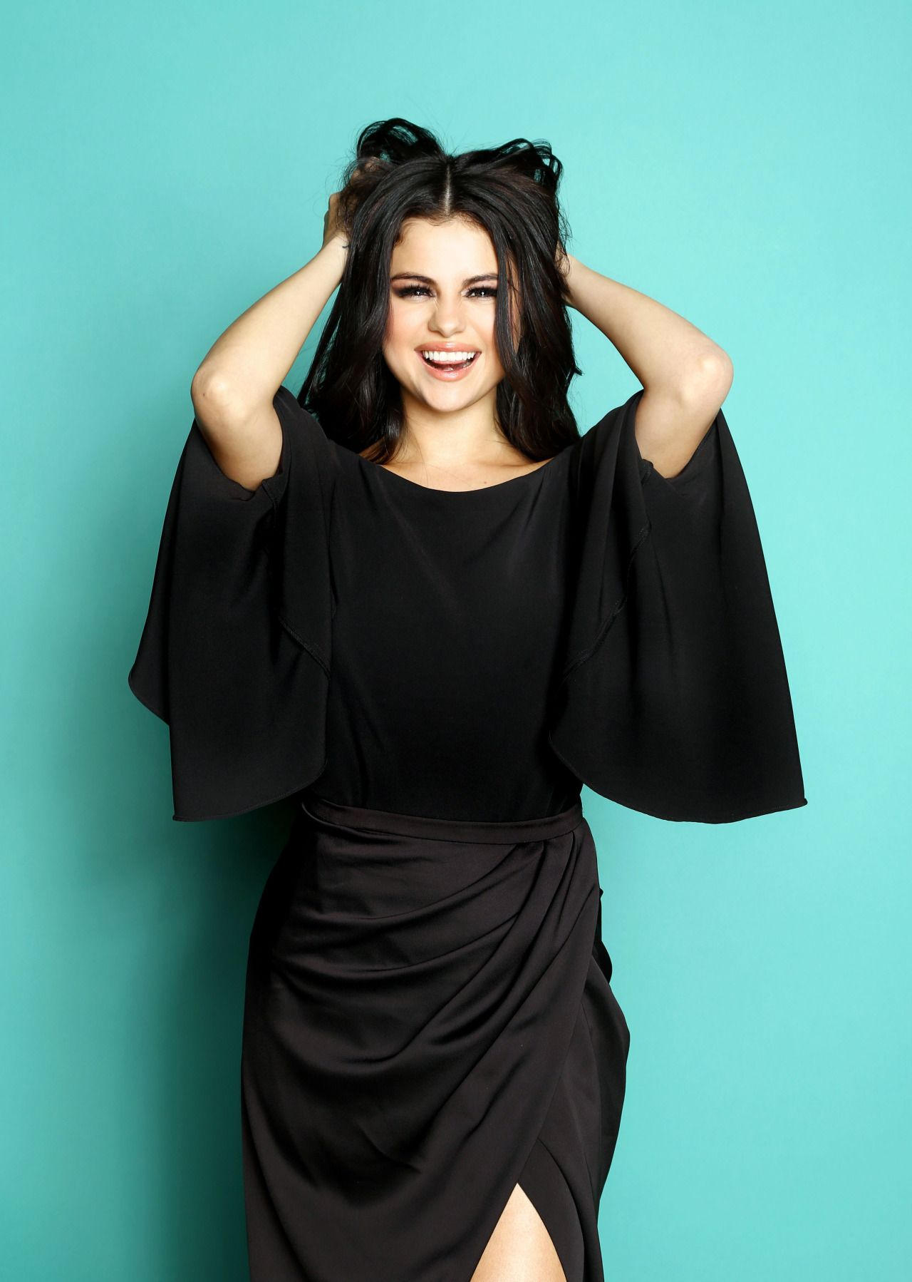 December 4 Selena Posing For A Portrait For People Magazine At