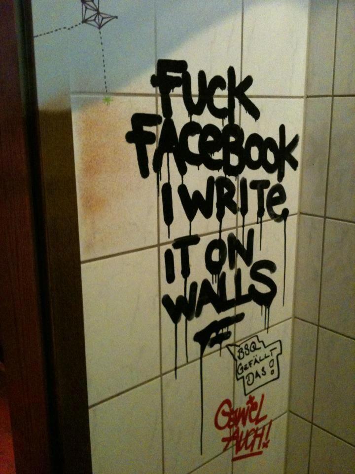 #f*ck #facebook #toilet #graf #graffiti