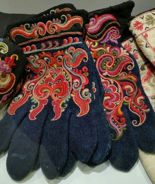 Embroidered wool gloves from Telemark, Norway.