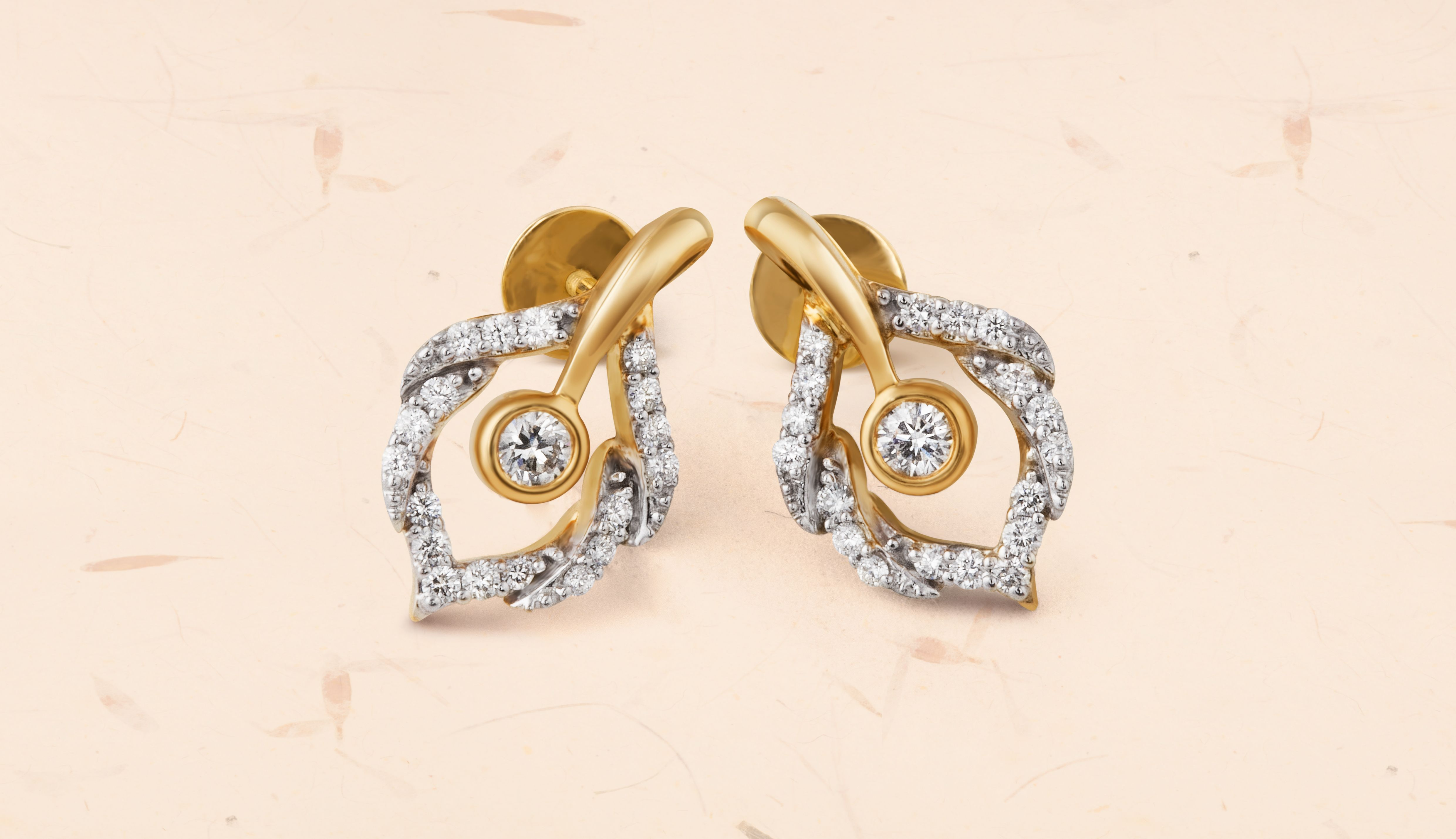 Tanishqus uttara collection presents scintillating diamonds set in