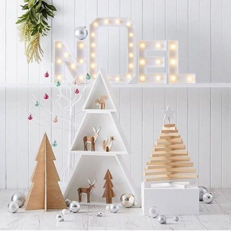 Mommo Design A Festive Touch In The Kid S Room Holiday Decor Christmas Christmas Kids Room Christmas Decorations
