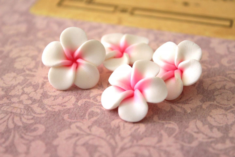 4 fleurs de frangipanier en pate fimo 24 mn perles en p te polym re fimo par sweetmercerie. Black Bedroom Furniture Sets. Home Design Ideas