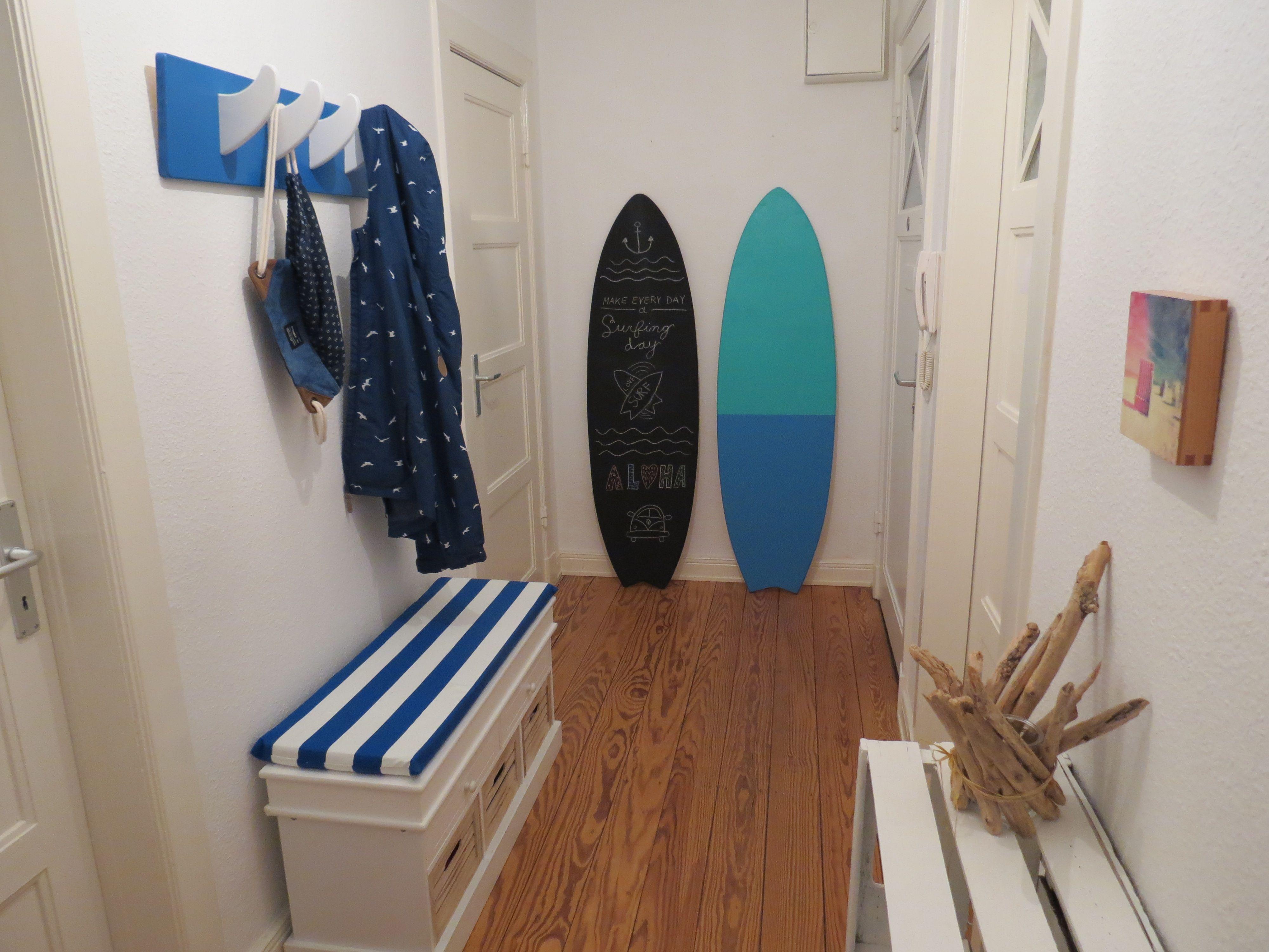 Surf Flair Fur Zuhause Beim Anblick Des Deko Surfbrett Aus Holz Hort Man Direkt Das Meer Und Die Wellen Und Fuhlt Sich Direkt An Surfboard Surfbrett Zuhause