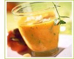 Verrine de soupe froide aux poivrons rouges. http://www.cuisineaz.com/recettes/verrine-de-soupe-froide-aux-poivrons-rouges-4161.aspx