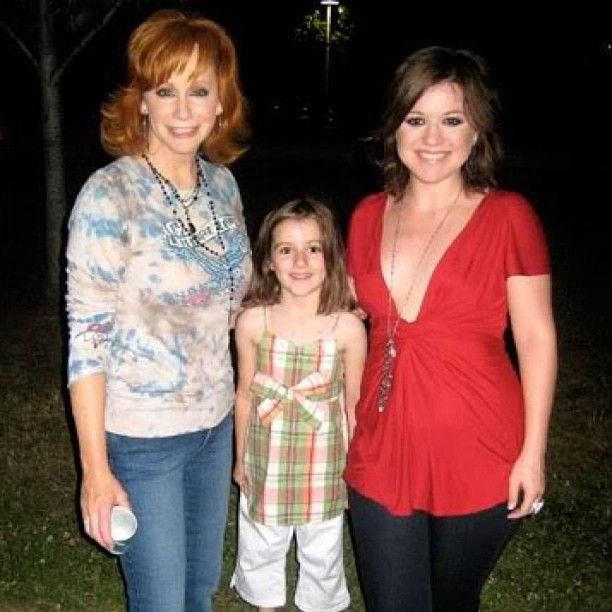 Kelly Clarkson Reba Mcentire And Brandon Blackstock S Daghter Savannah Reba Mcentire Loretta Lynn Kelly Clarkson