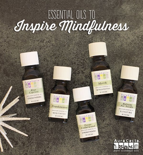 The holiday season can rush by quickly. Stay mindful and in the moment with these tips and recipes. #balancedandbright #essentialoils