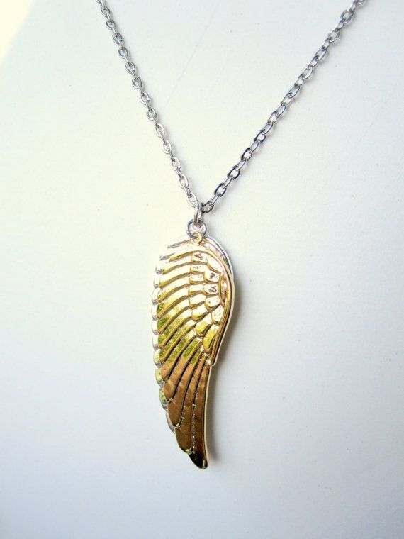 Medium 10k Yellow Gold ANGEL WING Pendant Necklace Size M
