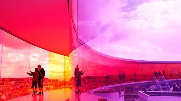 #TourofDenmark Fahrer fahren um Gold. Wollt ihr eigenes Gold, dann ab zum ARoS rainbow #Aarhus http://ow.ly/QwosA
