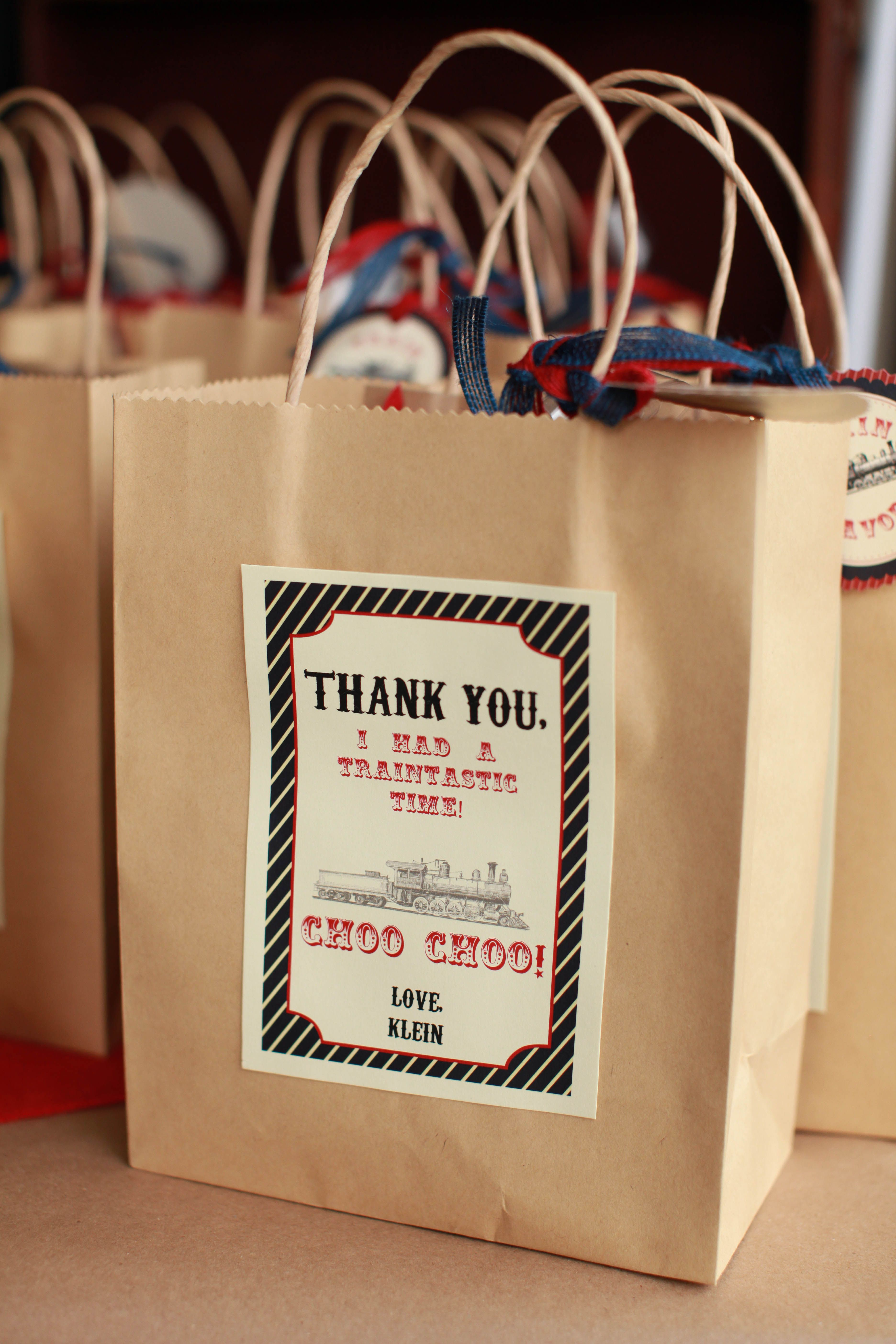 Custom thank you note on the party favor bag thank you