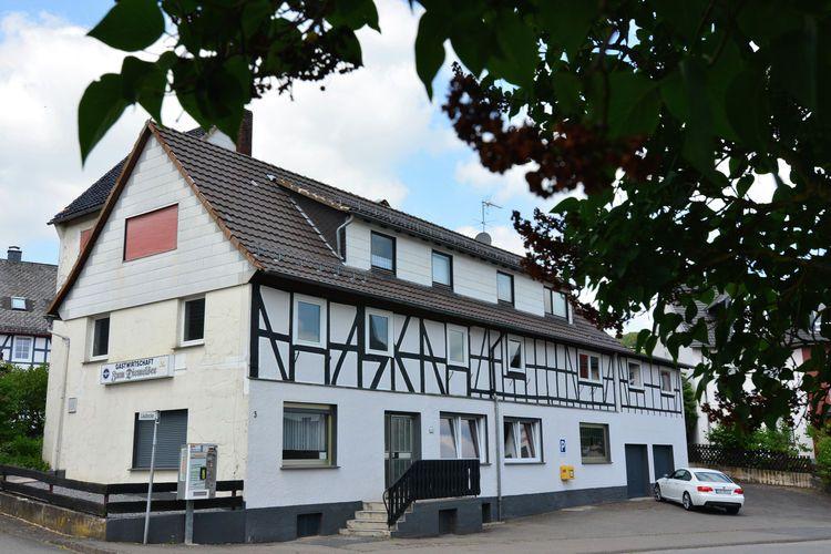 Groepsaccommodatie welke maar liefst 32 mensen kan herbergen. Deze vakantiewoning met veel inhoud is gelegen in Duitsland en wel in de regio Sauerland.