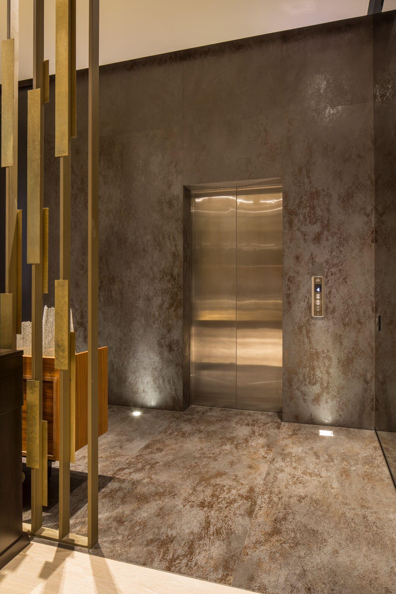 Recubrimiento de pisos y muros con detalles de for Iluminacion de piso