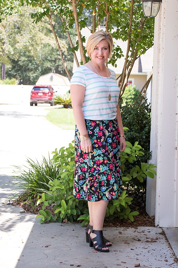 floral and stripes pattern mixing outfit #printmixing #patternmixing #springstyle #skirtoutfit #fashionover40 #womensfashion