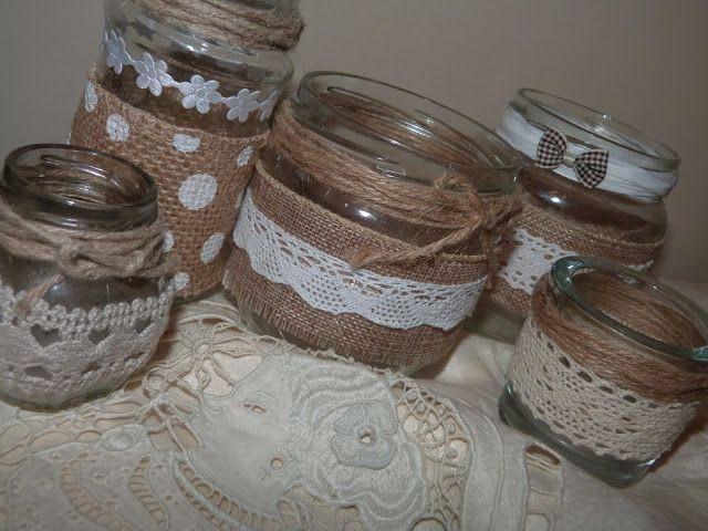Frascos reciclados como portavelas decorados con puntilla for Envases de vidrio decorados
